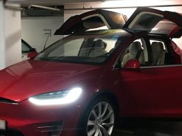 Tesla Model X in Budapest - Everda.hu