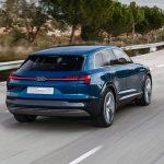 Audi-e-tron_quattro_Concept-2015-1600-12