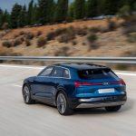 Audi-e-tron_quattro_Concept-2015-1600-13